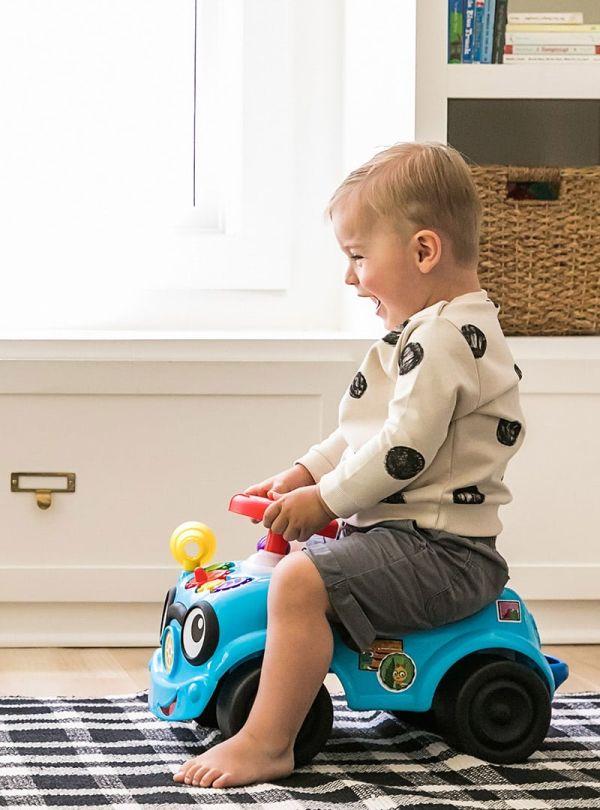 Baby Einstein Παιχνίδι Roadtripper™ Ride-On Car 02