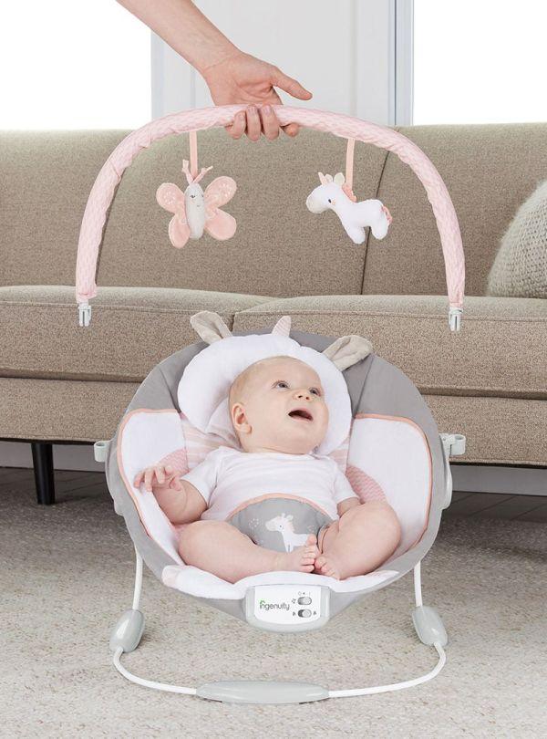 Ρηλάξ Ingenuity Cradling Bouncer Flora the Unicorn 04